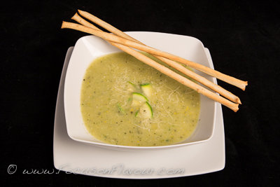 Tuscan Courgette Soup with breadsticks